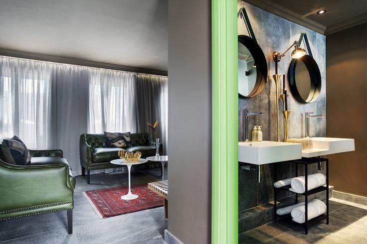 Junior Garden Suite 103 - with bathroom view
