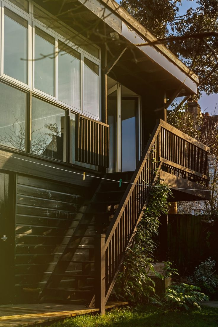 My Modern House: Family Life on Segal Close