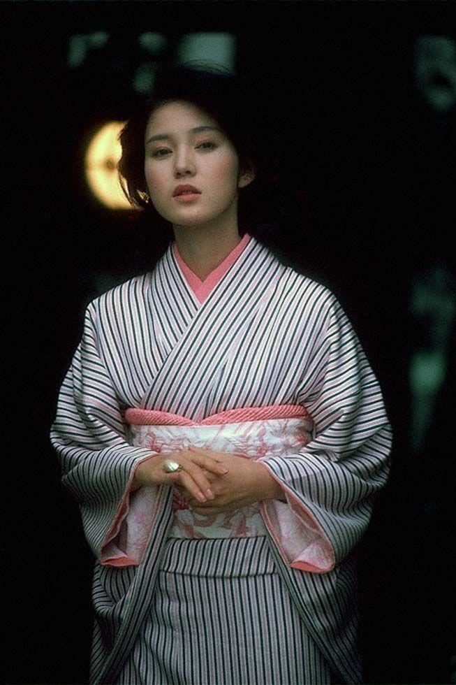 Kanako Higuchi / 樋口可南子 in kimono in 1981
