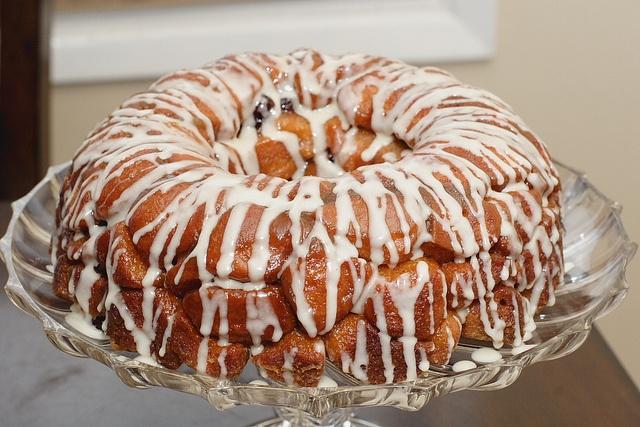 Cranberry Eggnog Monkey Bread by Modern Mrs. Cleaver, via Flickr