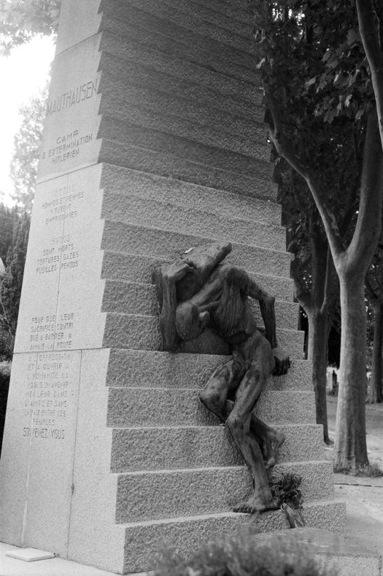 Jeff Pott     Monument to the Victims of the Mauthausen Extermination Camp, Père Lachaise Cemetery, Paris     2015