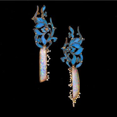 Paloma Sanchez Qing dynasty antique earring with blue kingfisher feather and white opal HANEP Creative Studio