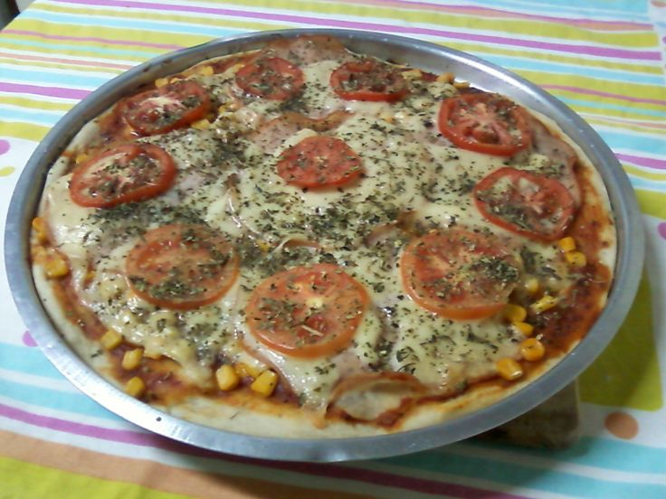 Receita de Massa de pizza. Enviada por Tania Cione e demora apenas 15 minutos.