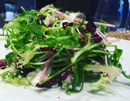 Une délicieuse recette de salade de micro-pousse pour accompagner votre repas en semaine.