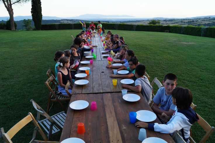 Would you like to have dinner in a place like this? You only have to reserve our Summer Camp at La Capitana, Tuscany
