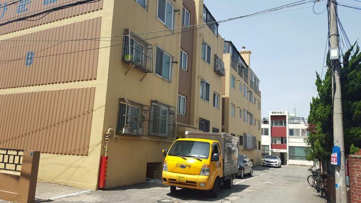 Old apartment in backstreet @ Pohang Korea.