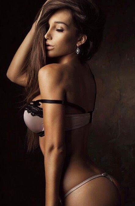 Anyta…, Sexy babe
