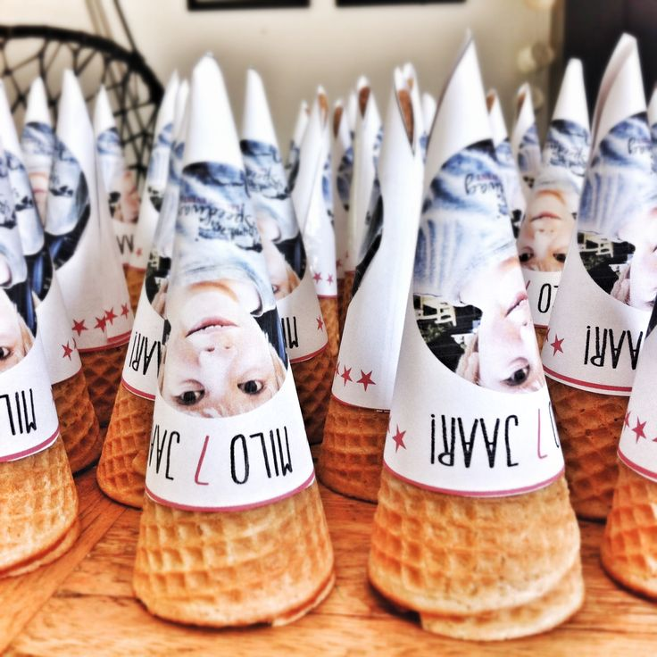 photo ice cream cone holders - super fun idea for a birthday or summer ice cream party!