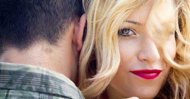 2 cosas que DEBES y 2 que NUNCA debes hacer cuando otra mujer COQUETEA con tu hombre