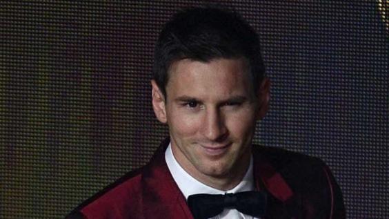 """Messi: """"Si ganamos el Mundial, se olvida todo""""  El crack del Barcelona, que ganó los últimos cuatro premios del Balón de Oro (hasta el 2012), además felicitó a Cristiano Ronaldo por la distinción. leer mas >http://jutiapaenlinea.com/messi-si-ganamos-el-mundial-se-olvida-todo/"""