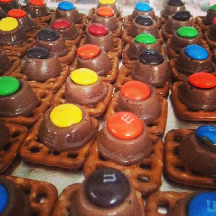 Chocolate Pretzel Logs Dunmore Candy Kitchen: 72 Best Images About Food On Pinterest