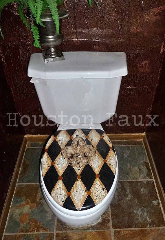 MADE TO ORDER<< & FREE Shipping in US    Hand-Painted Harlequin Toilet Seat with Fleur-de-Lis Centerpiece.  Beautiful Crackle & painted