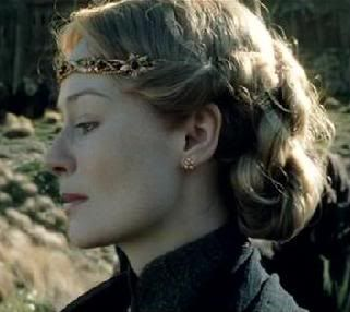 Am I the only one who absolutely LOVED her hair in this scene????