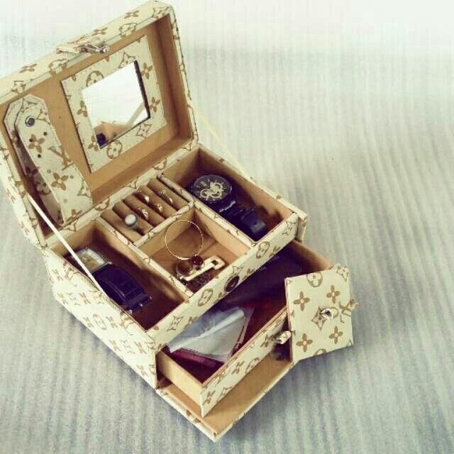 Saya menjual JEWELER BOX LV CREM.. seharga Rp170.000. Dapatkan produk ini hanya di Shopee! http://shopee.co.id/pjcraft/3386132 #ShopeeID
