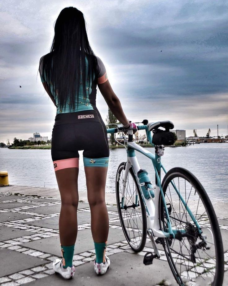 Pin By Ronnelle Jones Rocks On Cycling Girls Cycling Women Cycling Outfit Female Cyclist