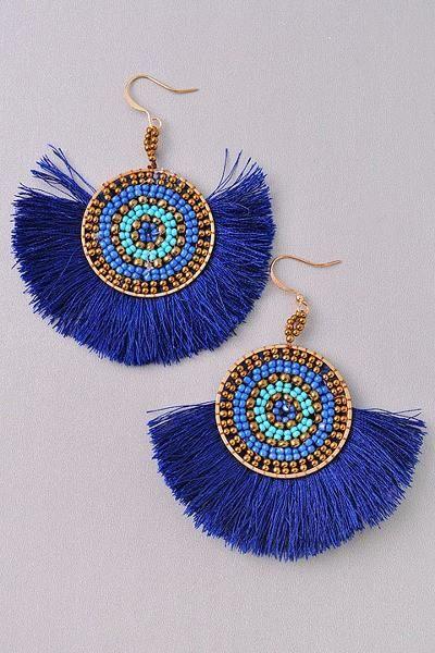 45d312de599a43d49b0d637ddd247b8a - Blue Beaded Tassel Fan Gold Earring