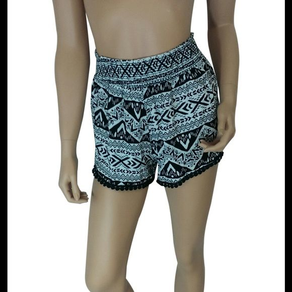 """❗️1HR Sale❗️Aztec Print Shorts #423-S Black / Ivory Aztec print shorts. 100% rayon. Made in USA. Waist measured laying flat is 23"""" and it is elastic so it will stretch out 5-6"""" more. Hips are about 40"""" and length 14"""". My Beloved Shorts"""