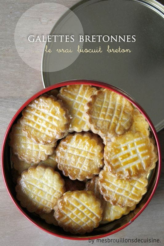 Galettes bretonnes 25 biscuits: 65g beurre, 40g sucre, 1jaune d'oeuf, sel, 125g farine...