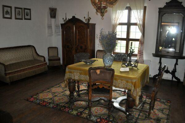 MIHAI EMINESCU-interiorul casei memoriale din Ipotesti, jud Botosani