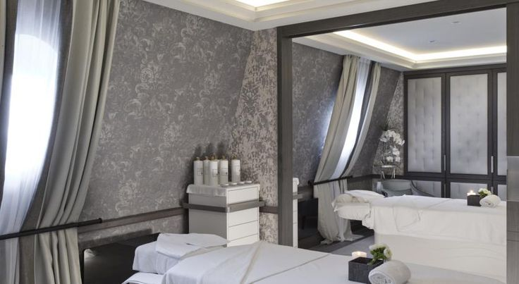 Booking.com: MGallery Le Grand Hôtel Cabourg - Cabourg, France