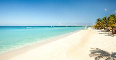 Couples Swept Away, Negril, Jamaica's amazing 7 mile beach!!