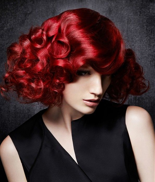 fabulously red & curly #hairstyle by @Lisa'anza