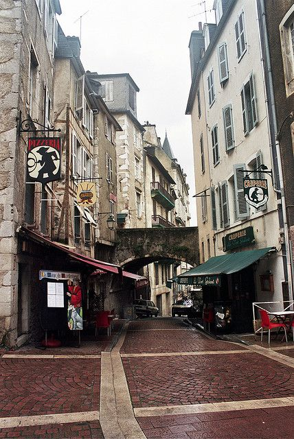 Rue de Moulin - old street in Pau | France (by © Ca'mont | via ysvoice) two streets over from where I lived! @Audrey Goodnight