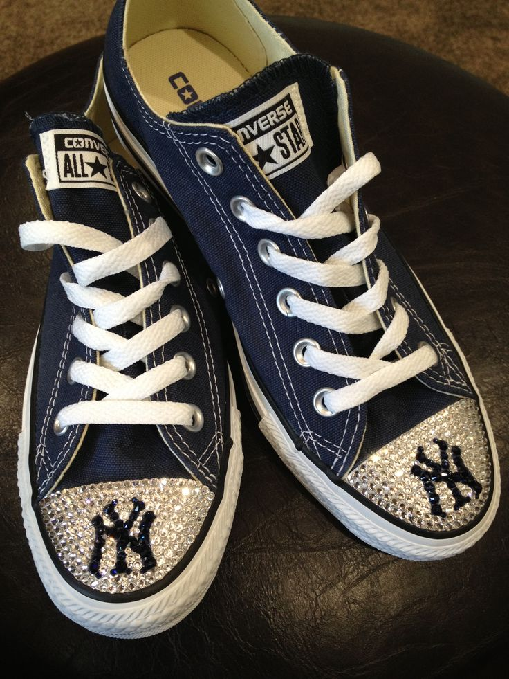 converse shoes with polka dot laces baseball team