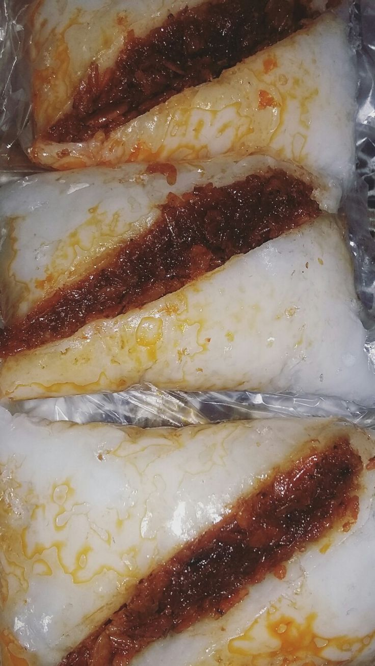 Rice cake boiled with  dried shrimps