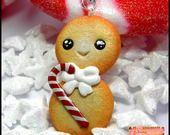Sautoir Biscuit Bonhomme de Neige avec sa canne en Sucre d'Orge. : Collier par sissi-cerise