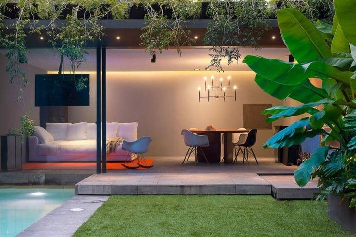 maison de luxe au Mexique avec bananier dans le jardin