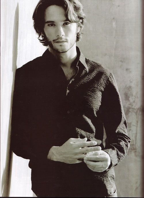 "every time I see Rodrigo Santoro in Love Actually, I cry to the movie gods ""whhhhyyyy couldn't she have him!"""
