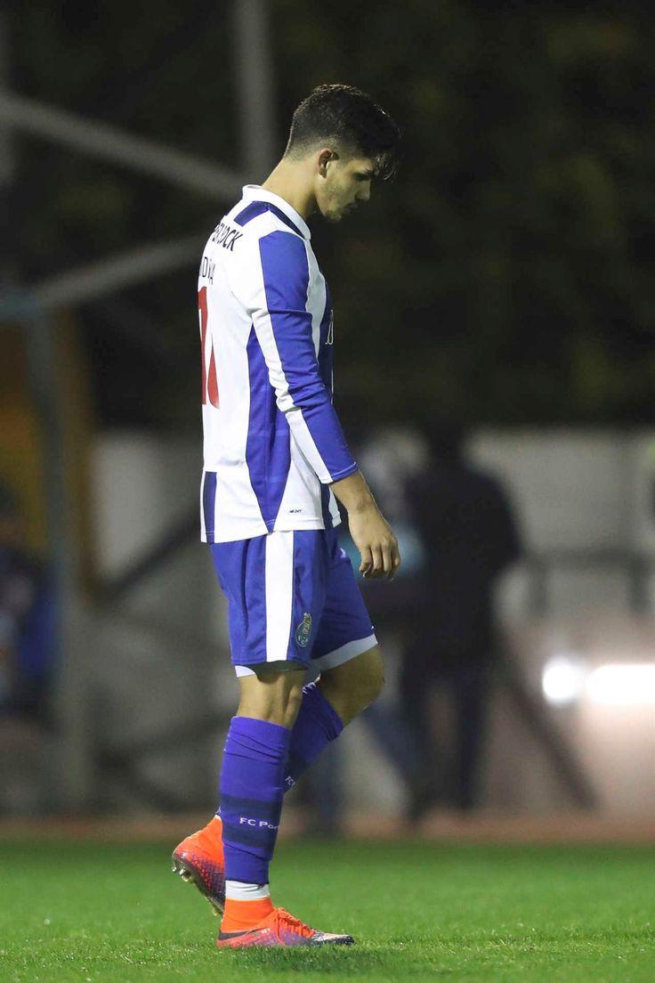 O lado pimba e polémico, a festa e a desilusão no Chaves-FC Porto