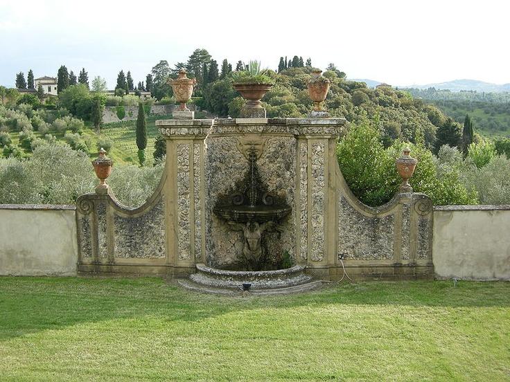 La fontana della Villa Medicea di Lilliano: