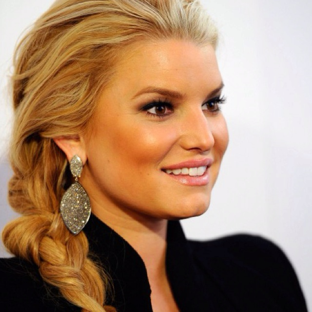Jessica Simpson updo: Braids Hairstyles, Celebrity Hairstyles, Makeup, Long Hair, Beautiful, Hair Style, Cute Braids, Side Braids, Jessica Simpsons