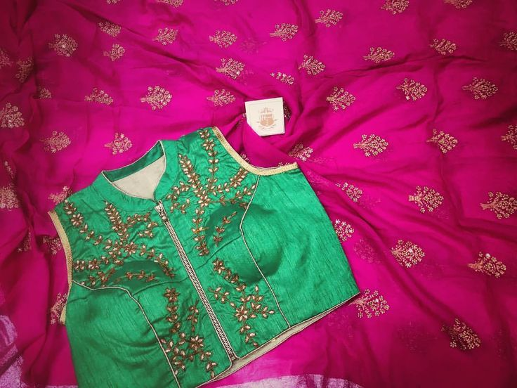 Pink georgette saree To purchase this product mail us at houseof2@live.com  or whatsapp us on +919833411702 for further detail #sari #saree #sarees #sareeday #sareelove #sequin #silver #traditional #ThePhotoDiary #traditionalwear #india #indian #instagood #indianwear #indooutfits #lacenet #fashion #fashion #fashionblogger #print #houseof2 #indianbride #indianwedding #indianfashion #bride #indianfashionblogger #indianstyle #indianfashion #banarasi #banarasisaree