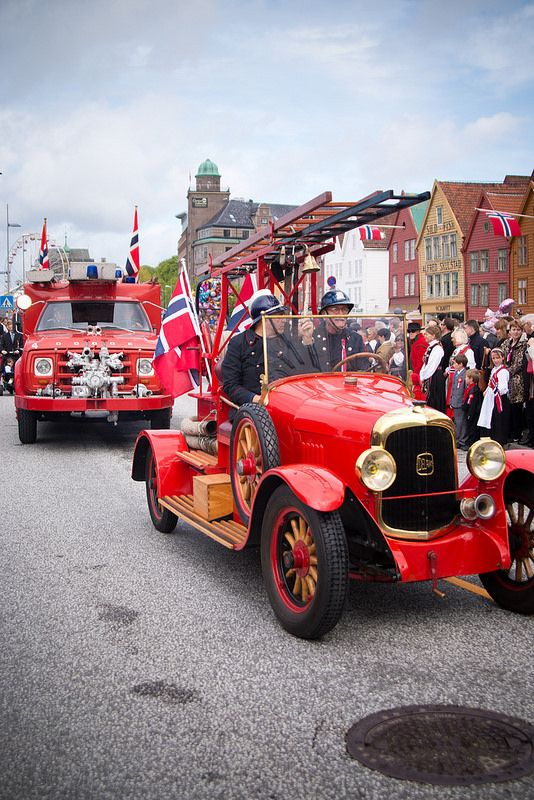 17 mai (norwegian national day) in Bergen, here on Bryggen