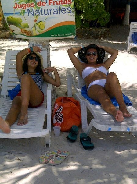 La actriz y Productora Alejandra Espinosa Auad junto a su hija Francisca. Isla Coch