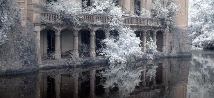 Ce château a été abandonné en 1932 après un incendie majeur. L'intérieur est d'une beauté envoûtante. (Vidéo) - I Love Halloween