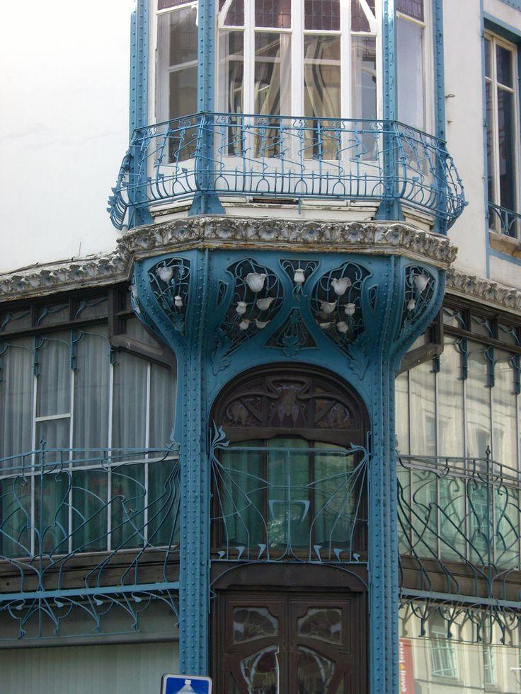 https://flic.kr/p/9b5yuG | Graineterie Génin-Louis – 52 rue Saint-Jean, Nancy (54) | Architectes Henri et Henry Gutton ( 1901), Vitraux de Jacques Gruber, céramiques d'Alexandre Bigot