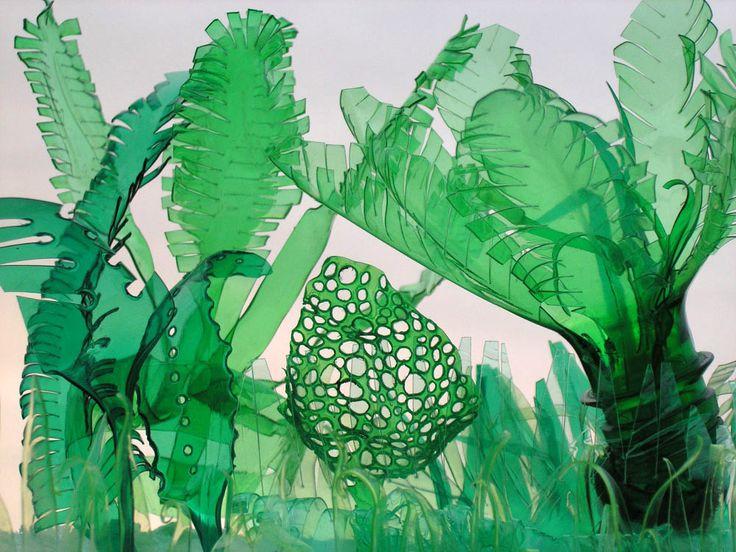 L'artiste tchèque Veronika Richterová confectionne des cactus à l'aide de bouteilles en plastique recyclées.