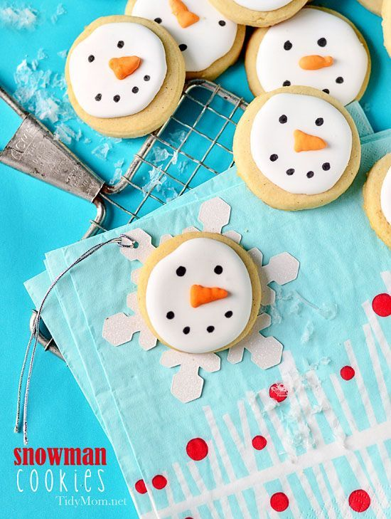 Mini Snowman face cookies - Box them up or put them in a jar with a ribbon and they make adorable gifts!
