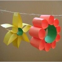 Spring Loop Flowers made from 1 inch strips of colored paper (construction or…