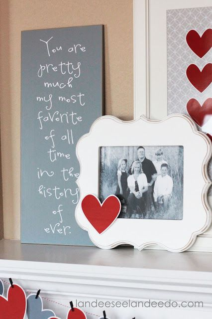 Valentine's Day Mantel Decor and Printable | Landee see, Landee do