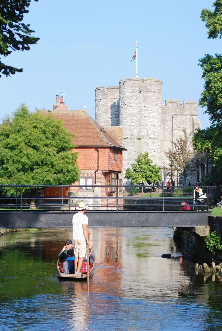 A quick guide to spending a perfect day in Canterbury, England.