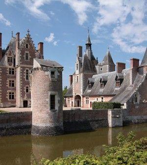 Le Château du Moulin et le Conservatoire de la Fraise