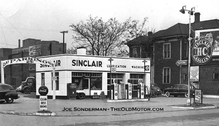 Sinclair Gas Station In The Early 1950 S Old Gas