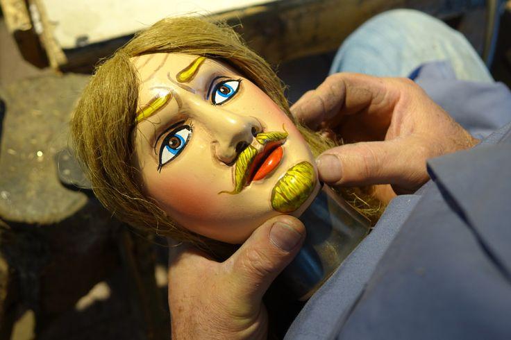 Il mio pupo siciliano Rinaldo quasi pronto ad indossare l'elmo! My Sicilian puppet Rinaldo almost ready to get the helmet on!