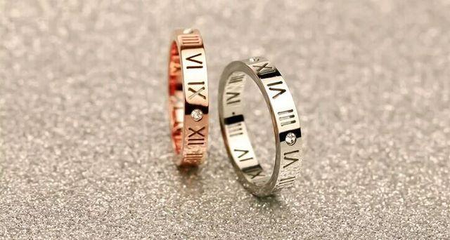 2017 Мода Марка Роуз Позолоченные Из Нержавеющей Стали кристалл Полые Римские цифры Любовь кольцо женщины Подарок