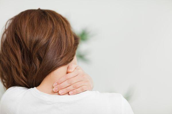 Pijn in de nek kan in vele opzichten de kwaliteit van het leven aantasten. Het zorgt ervoor dat zelfs de simpelste activiteiten bijna onmogelijk worden gemaakt. Ik zou dit werkelijk